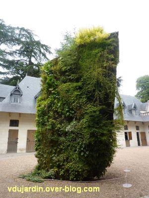 Chaumont-sur-Loire, festival 2011, la spirale végétale de Blanc dans la cour des écuries, 3