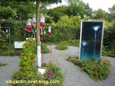 Chaumont-sur-Loire, festival 2011, le jardin n° 11, 3, arbre à perfusion et radio
