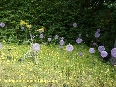 Chaumont-sur-Loire, festival 2011, le jardin 2, 4, fleurs en métal et fleurs naturelles