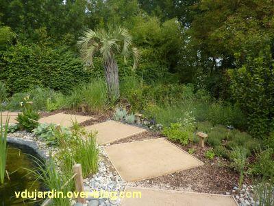 Chaumont-sur-Loire, festival 2011, le jardin n° 8, 6, les dalles et les plantes périphériques