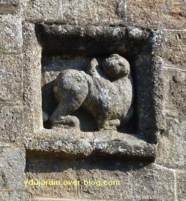 Confolens, les reliefs de l'église Saint-Barthélemy, 7, le lion de Marc