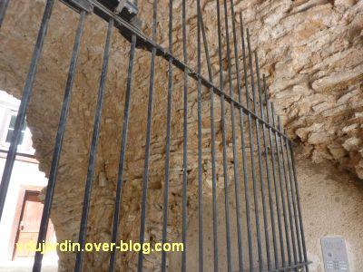 Défi photo, derrière les barreaux à Poitiers, 1, l'amphithéâtre romain