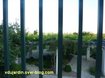 Défi photo, derrière les barreaux à Poitiers, 5, à Blossac, à travers la barrière