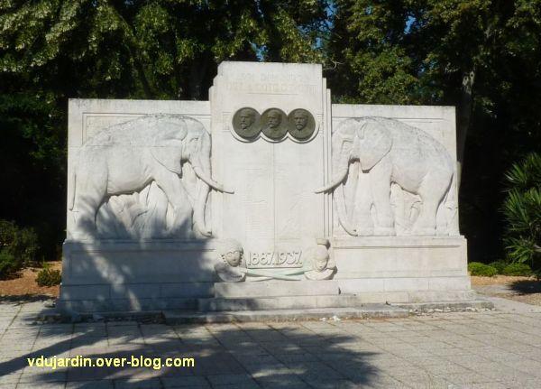 La Rochelle, les pionniers de Côte d'Ivoire, 02, le monument vu de près