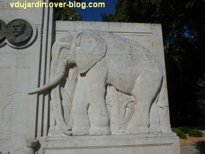 La Rochelle, les pionniers de Côte d'Ivoire, 06, l'éléphant de droite