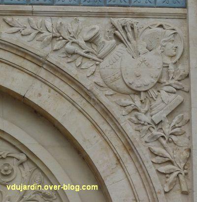 Niort, l'ancienne école d'art, 09, les symboles de la peinture
