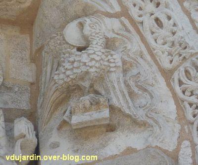 Poitiers, façade de Notre-Dame-la-Grande, le Tétramorphe, 4, l'aigle de Jean, en haut à droite