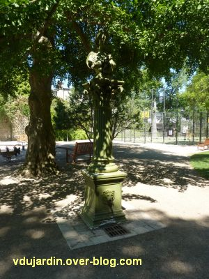 Tours, parc Mirabeau, la fontaine inaugurale, 1, vue générale