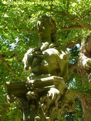 Tours, parc Mirabeau, la fontaine inaugurale, 3, le buste de Marianne de face