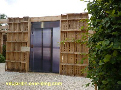 Chaumont-sur-Loire, festival 2011, le jardin 16, 1, un ascenseur en panne