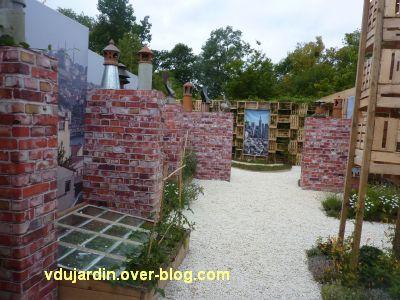 Chaumont-sur-Loire, festival 2011, le jardin 16, 7, un jardin entre les cheminées