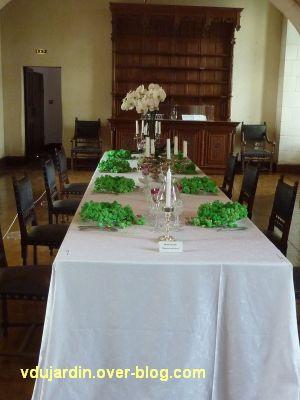 Chaumont-sur-Loire, dans le château, 2011, la table verte