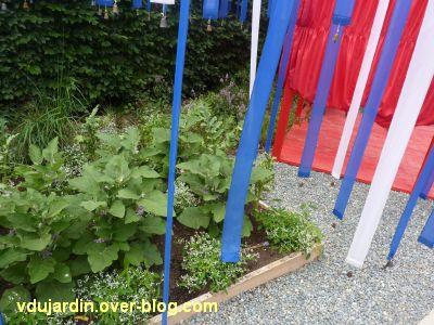 Chaumont-sur-Loire, festival 2011, le jardin 15, 4, des légumes et des clochettes