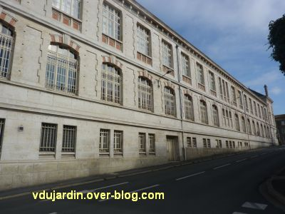 Niort, l'ancien lycée devenu musée d'Agesci, 5, façade rue Mazagran