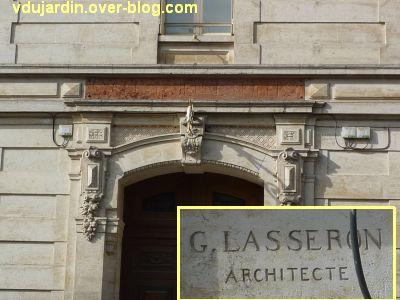 Niort, l'ancien lycée devenu musée d'Agesci, 3, la porte et la signature