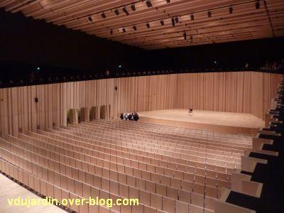 Poitiers, le théâtre et auditorium, 11, l'auditorium vu du balcon
