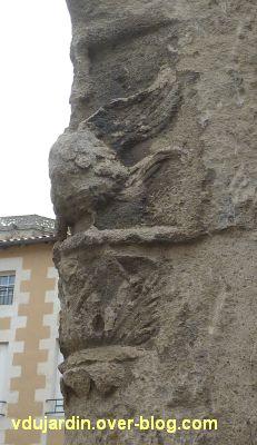 Poitiers, l'enseigne du coq, partie droite