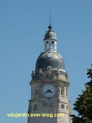 La gare de La Rochelle, 02, la tour d'horloge à l'éextérieur