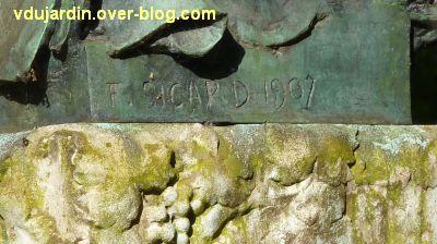 Tours, le buste de Racan par Sicard au jardin des Prébendes, 2, la signature F. Sicard 1907