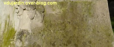 Tours, le buste de Racan par Sicard au jardin des Prébendes, 3, l'inscription en bas du socle