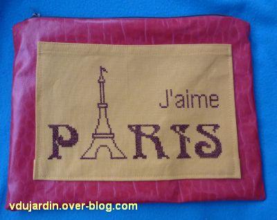 Trousse sur Paris, la face brodée