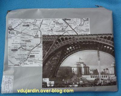 Trousse sur Paris, le dos imprimé