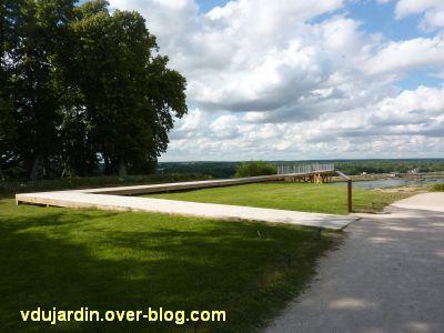 Chaumont-sur-Loire 2011, le parc, Tadashi Kawamata, 2, promontoire vu du haut du chemin