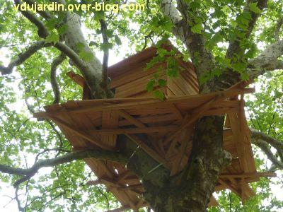 Chaumont-sur-Loire 2011, le parc, Tadashi Kawamata, 7, une cabane dans un arbre, vue de près