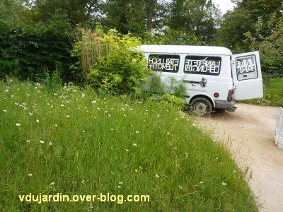 Chaumont-sur-Loire, festival 2011, le jardin 20, 3, la prairie et la camionnette