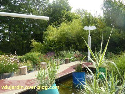 Chaumont-sur-Loire, festival 2011, le jardin 9, 3, le système d'arrosage avec éoliennes