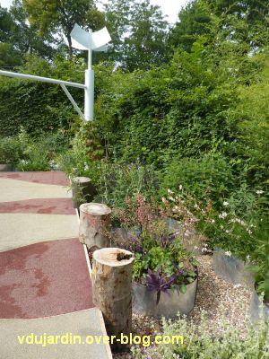 Chaumont-sur-Loire, festival 2011, le jardin 9, 5, des tuyaux pour planter les plantes