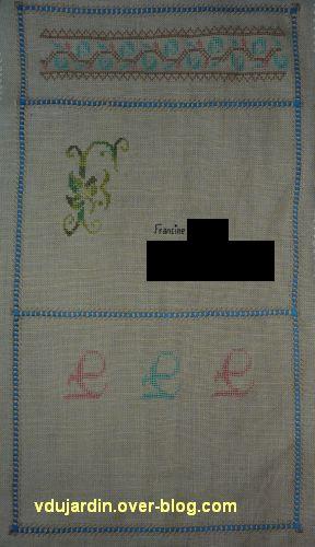 La broderie pour l'enveloppe brodée d'un monogramme F
