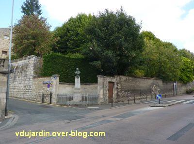 Niort, le monument à Liniers par Poisson, 2, vue générale