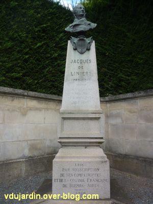 Niort, le monument à Liniers par Poisson, 3, vue rapprochée