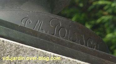 Niort, le monument à Liniers par Poisson, 4, la signature de Pierre Marie Poisson