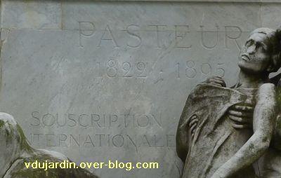 Paris, monument à Pasteur par Falguière, 03, la dédicace