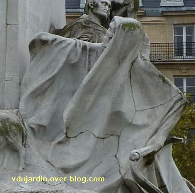 Paris, monument à Pasteur par Falguière, 09, la mort de face