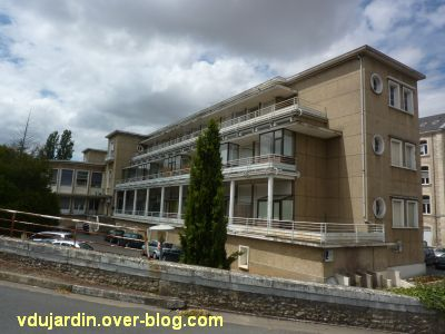 Poitiers, l'ancien sanatorium, 2, la façade principale