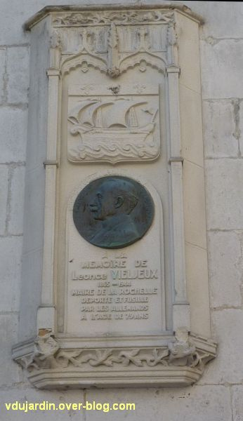 Le mémorial à Vieljeux par Prud'homme à La Rochelle, 1, vue générale