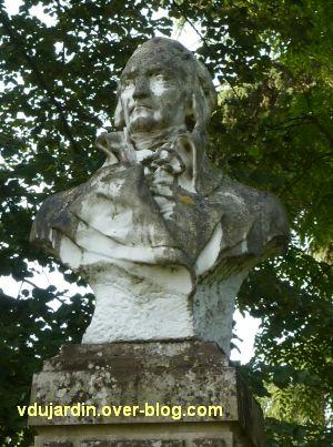 Tours, le général Meusnier par Varenne, 4, le buste vu de face