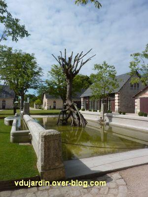 Chaumont-sur-Loire 2011, la ferme, 1, la cour