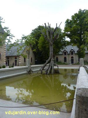 Chaumont-sur-Loire 2011, la ferme, 2, l'arbre de Bob Verscuren