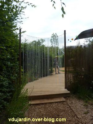 Chaumont-sur-Loire, festival 2011, le jardin 19, 6, le rideau de perles