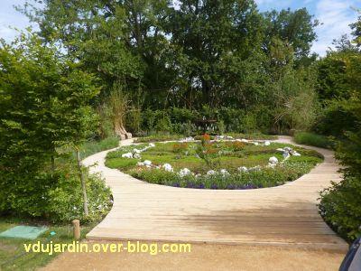 Chaumont-sur-Loire, festival 2011, le jardin 6, 1, depuis l'entrée