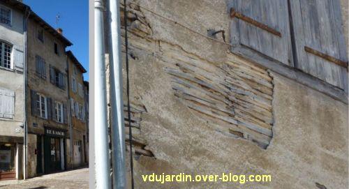 Confolens, maisons à pan de bois, 4, lattis place Fontaine de Guimard