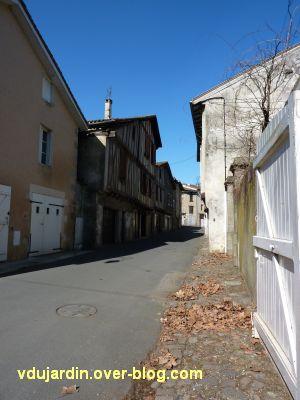 Confolens, maisons à pan de bois, 5, rue des portes d'Ansac