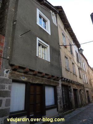 Confolens, maisons à pan de bois, 3, rue du Soleil
