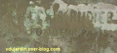 Monument aux morts de La Rochelle, 04, la signature du fondeur Alexis Rudier