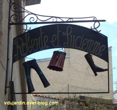 Poitiers, enseigne, 02, Roberte et Lucienne rue Bourcani