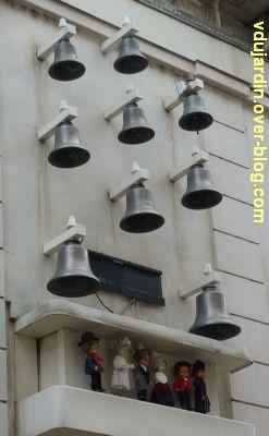 Poitiers, enseigne, 06, le carillon de la bijouterie Landreau rue des Cordeliers